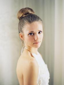 ballerina-top-knot-bun-wedding-ideas